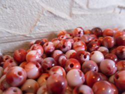 Acryl Perlen 8mm rot- weiß meliert 40 Stück ( willkürlich) rund Form ( kunststoff)