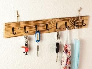 Schlüsselbrett Masken Garderobe aus Holz Obstkisten Brett geflammt (Schlüsselhaken Maskenaufhänger) (Kopie id: 100271025) - Handarbeit kaufen