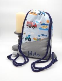 Rucksack für Kinder mit Innentasche und Flaschenhalter, bestickbar (blaue Fahrzeuge)