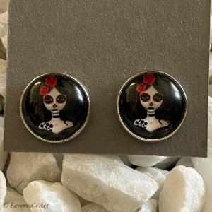 Cabochon Glas Ohrringe Ohrstecker 12mm,  Totenkopf Frau Halloween Design, Silberfarbenes Metall - Handarbeit kaufen