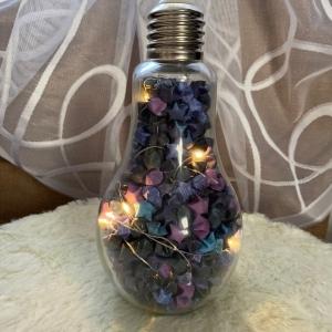 Origami Papier Sterne Galaxy Design im Glas mit LED in Form einer Glühbirne, handgemacht, Perfektes Geschenk, Tolle Licht Dekoration - Handarbeit kaufen