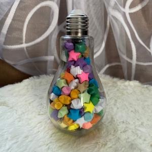 Origami Papier Sterne im Glas in Form einer Glühbirne, handgemacht, Perfektes Geschenk, Tolle Dekoration, Bunt - Handarbeit kaufen