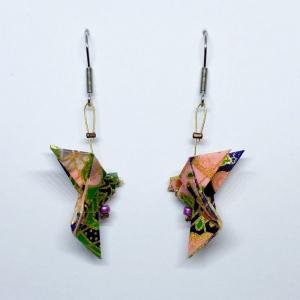Origami Taube Ohrringe Ohrhänger, Lila Rosa Japanisch, Handgemacht aus Origami Papier Hypoallergen, Erhältlich in Chirurgenstahl Titan Hypoallergen Clips, Geschenk mit Bedeutung