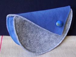 Clutch / Handtasche aus Velourleder-Imitat und Polyesterfilz