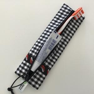 Zahnbürsten Täschchen Bollenhut genäht für den Kulturbeutel oder als Stiftemäppchen. Kauf mich und freu dich! - Handarbeit kaufen