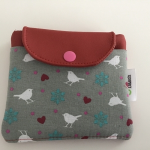 Masken- Täschchen Vögel genäht mit zwei Fächern - super praktisch. Ein tolles Geschenk!