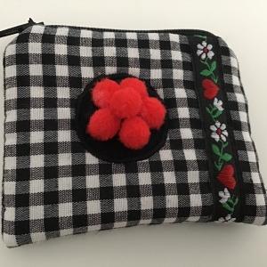 Minigeldbeutel oder Minitäschchen Bollenhut für allerlei Schönes genäht - Handarbeit kaufen