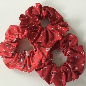 Haargummies - Scrunchies aus wunderschönen Stoffen in Rottönen genäht/ Set 3 Stück  - Handarbeit kaufen