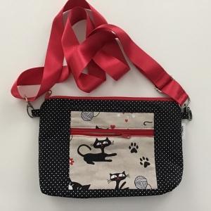 Tablet Tasche in witziger Stoffkombi zum Umhängen mit Vordertasche genäht für Tablet bis 26,5 cm  - Handarbeit kaufen