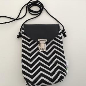 Minitasche Swing my Mobile, minimalistisch für das Nötigste in schwarzweißem Zickzack Stoff - Handarbeit kaufen