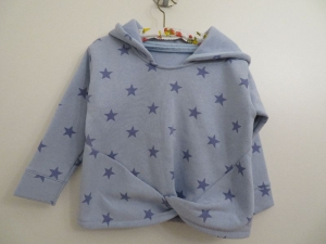 kuschelwarmer Sweater mit Kapuze,Sternendruck Unikat