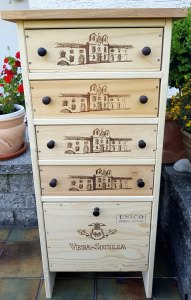 Upcycling Kommode, Weinregal aus alten Weinkisten