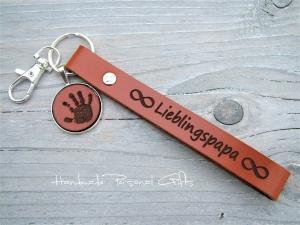 Schöner Handabdruck,Schlüsselanhänger,Koordinaten, Fingerabdruck, Fußabdruck, Kinderzeichnung, erstes geschriebenes Wort, Vatertag - Handarbeit kaufen