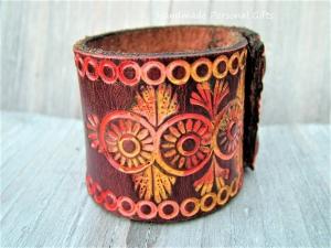 Lederarmband, Boho, Gipsy, Blumen, Jugendstil, böhmische, Ibiza Armband, Hippie, breites Armband - Handarbeit kaufen