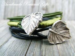 Individualiesierbares Armband Leder,wrap, Blatt, Blätter, Herbst, Winter, Schmuck, Wickelarmband, einzigartig, benützerdefiniert - Handarbeit kaufen