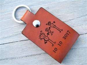 Leder Schlüsselanhänger, Eine Zeichnung Ihres Kindes,Schlüsselanhänger personalisiert,Geschenk für Vater und Mutter,individualisierbar, Fußabdruck,Kinderzeichnung, Hundepfote - Handarbeit kaufen