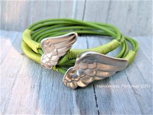 Armband für Mutter und Kind, Flügel, 2 stück,  lederarmband Glücksbringer, Engel, Schutzengel, Muttertag, Vatertag - Handarbeit kaufen