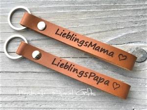 Schlüsselanhänger aus Leder,  Lieblingspapa,  Lieblingsmama, Namen oder kleinen Text, bester papa, benützerdefiniert  - Handarbeit kaufen