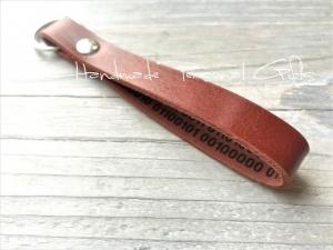Schlüsselanhänger Leder,Taschen-Anhänger,Binärcode, mit Namen, Text, individualisiert, persönlich, Koordinaten, Ich liebe dich - Handarbeit kaufen