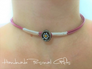 Lederhalskette mit einem schönen Edelweiß als Hingucker, Edelweis, Blume, Blumenhalskette, als Armband zu verwenden, Lederarmband, benützerdefinierte Halskette - Handarbeit kaufen