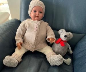 Gestricktes Babyset in Beige in Größe 62/68 - Handarbeit kaufen