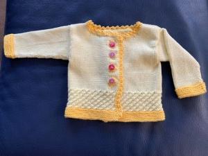 Allerliebste Babyjacke in Zitronengelb  aus 100 % Baumwolle in Größe 56/62   - Handarbeit kaufen