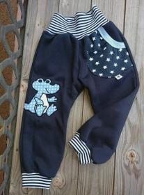 Babyhose /Pumphose handmade - Dino- in den Gr. 50/56 bis 122 aus Sweat  - Handarbeit kaufen