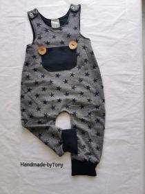 Strampler / Latzhose  - Sterne grau - in den Gr.50/56 bis 86/92  aus Terry Sweat