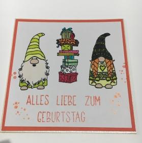 Geburtstagskarte mit Wichteln, aus Karton in Orange Tönen und Weiß in Handarbeit gefertigt  - Handarbeit kaufen