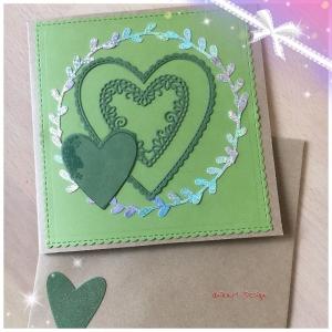 Grußkarte Handgefertigt aus Kraftpapier, Grüne Herzen mit Silbernem Blätterkranz - Handarbeit kaufen