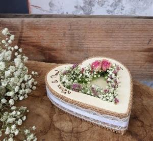 Hochzeit Ringkissen Ringhalter Herz Mille Fleurs Jute Spitze ♥ Holzherz für Eheringe mit Namen - Handarbeit kaufen
