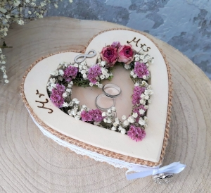 Ringkissen Ringhalter Herz Mille Fleurs Mr & Mrs Holzherz für Eheringe zur Hochzeit - Handarbeit kaufen