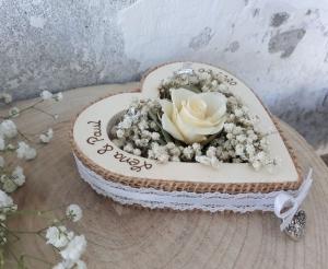 Hochzeit Ringkissen Ringhalter Herz Rose Loveliness creme für Eheringe mit Namen - Handarbeit kaufen