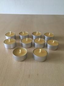 Selbst gemachte Bienenwachs Teelichter Aluhülle Durchmesser 38mm und 18mm Höhe - Handarbeit kaufen