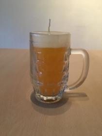 Selbst gemachte Paraffinwachs Bierglas Kerze  Gelb-Weiß  - Handarbeit kaufen