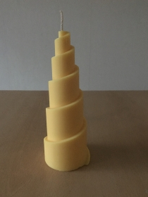 selbst gemachte Rapswachs Spiralpyramide  Kerze Gelb - Handarbeit kaufen