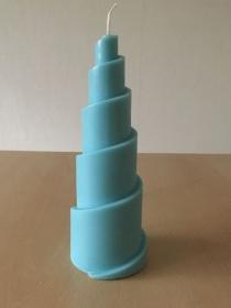 selbst gemachte Rapswachs Spiralpyramide  Kerze  Blau  - Handarbeit kaufen