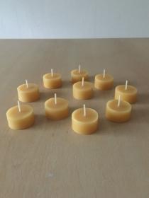 Selbst gemachte Bienenwachs Teelichter Ohne Aluhülle Durchmesser 38mm und 18mm Höhe - Handarbeit kaufen