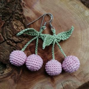 Ohrringe Kirschen in zarten Pastellfarben aus Baumwolle sehr fein handgehäkelt - Handarbeit kaufen