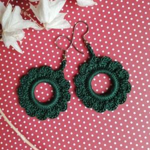 Ohrringe grüner Kranz aus Baumwolle sehr fein handgehäkelt  - Handarbeit kaufen