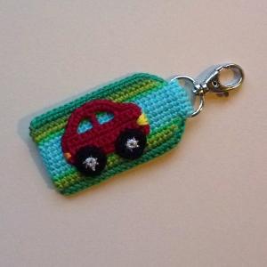 Schlüsselanhänger, Taschenbaumler Auto mit Schriftzug Name oder Kennzeichen aus Baumwolle gehäkelt