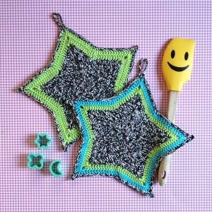 Zweier-Set Topflappen Sterne aus Baumwolle gehäkelt - Handarbeit kaufen