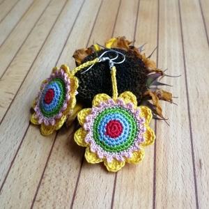 Ohrringe bunte Blumen sehr fein gehäkelt - Handarbeit kaufen