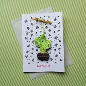 Weihnachtskarte MERRY CACTUS mit handgehäkeltem Christbäumchen der besonderen Art Weihnachtskaktus Xmas - Handarbeit kaufen