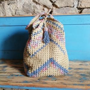 Grannysquare-Häkeltasche Markttasche Shopper im Material-Mix mit Zick-Zack-Muster und hübscher Quaste für den Sommerlook