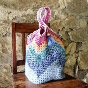 Grannysquare-Häkeltasche Markttasche Shopper im Material-Mix mit Zick-Zack-Muster und hübscher Quaste