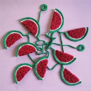Girlande mit leckeren Melonen aus Baumwollgarn gehäkelt - Handarbeit kaufen