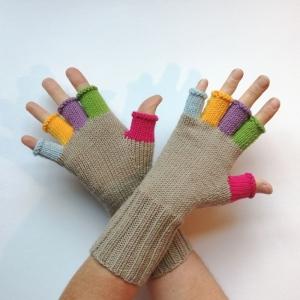 Stulpen Handschuhe mit bunten Fingern und Daumen aus weicher Natur-Wolle handgestrickt