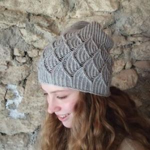 Mütze mit schönem Muschelmuster handgestrickt - Handarbeit kaufen