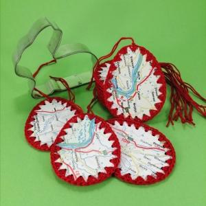 Ostereier (Set 3 Stück) aus festem Karton mit Upcycling Landkarte mit Baumwollgarn umhäkelt - Handarbeit kaufen